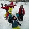 Zimowa zabawa uczniów łódzkiej podstawówki