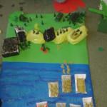 Makieta lasu stworzona przez uczniów podstawówki.