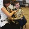 Nauka gry na instrumentach muzycznych.