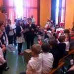 Uroczystości szkolne w podstawówce w Łodzi